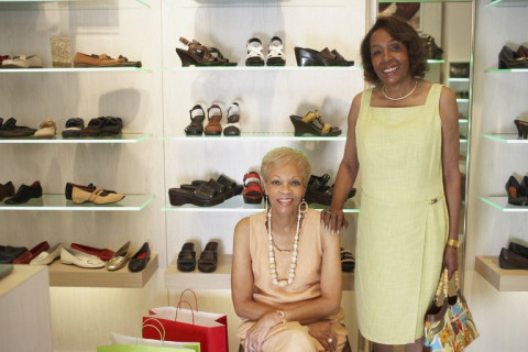 Elderly Care Issues: Tips for Clothes Shopping with Your Aging Loved Ones