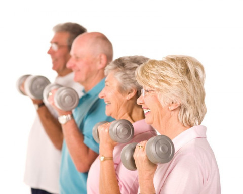 Essential Safety Tips Your Senior Should Follow When Strength Training