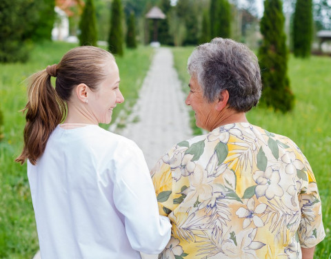 Ways that Professional Home Care Can Help a Senior Live with Chronic Pain